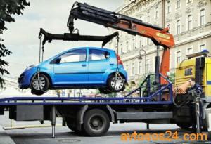 Эвакуация автомобиля с заблокированными колесами