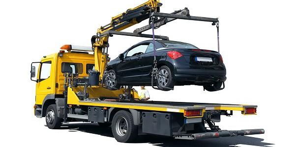 Особенности эвакуации автомобиля краном-манипулятором