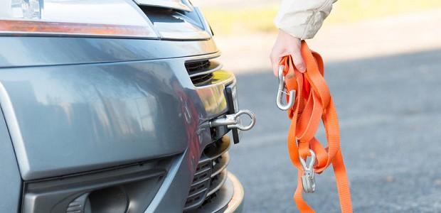 Основные правила буксировки автомобиля на гибкой сцепке