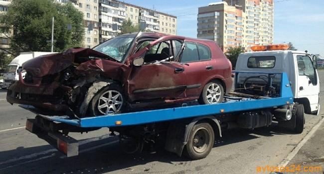 evakuatsiya-avtomobilya-posle-avarii